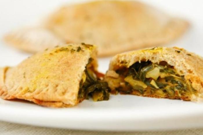pastel-de-forno-de-queijo-com-escarola-700x465